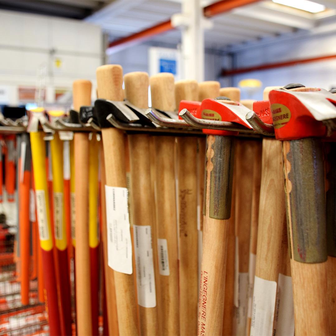 Attrezzi per carpenteria, scavi e finiture